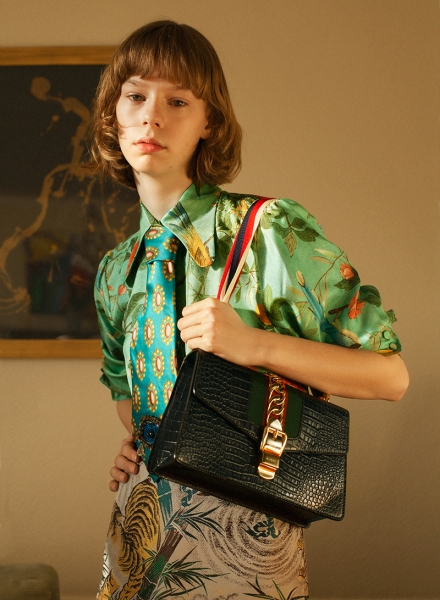 http://wailintse.com/files/gimgs/th-210_Metal Gucci L02-106 copy.jpg